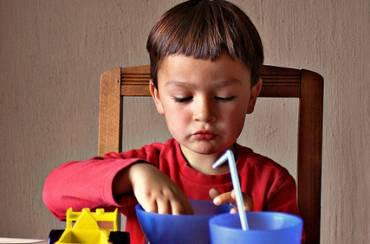 Πώς θα κάνετε το παιδί σας να φάει πρωινό