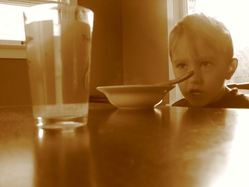 δεν πίνει το παιδί γάλα